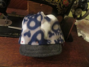 Brim pinned tightly and ready for sewing.